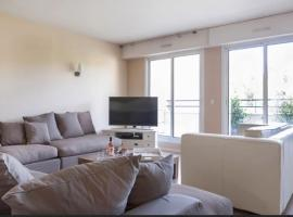Luxury Apartment with Seine view, Rueil-Malmaison