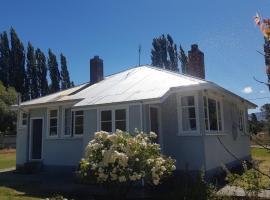 Poplar Holiday Homes, Omarama