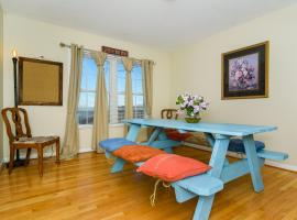 Epic Mountain Views - Close to Town - Game Room, Asheville