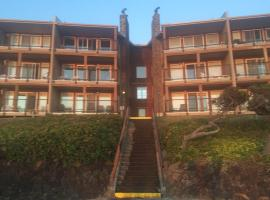 Cavalier Beachfront Condominiums, Gleneden Beach