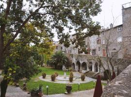 Resort Paradosso, Viterbo