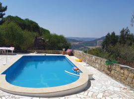 House in the hills, great view, confort & nature, Mafra