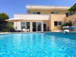 Villa Californienne à Nice, Nisa