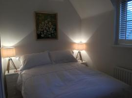 Bed & Breakfast, Cirencester