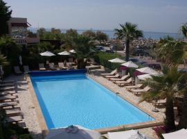 Hôtel Azur Bord De Mer, La Grande-Motte