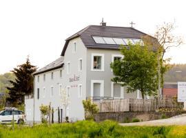 Haus & Hof Guest House, Perl