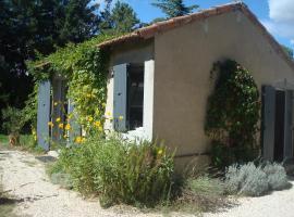 Petite maison et jardin en Provence, Charleval