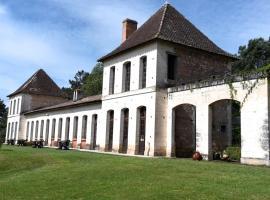 Château Neuf Le Désert, Le Pizou