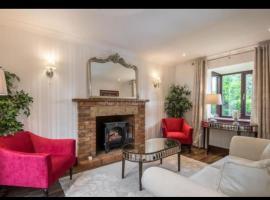 Lake Walk Residence, Milton Keynes