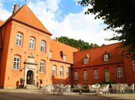 Sophiendal Manor, Låsby
