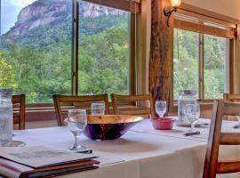 The Esmeralda Inn and Restaurant, Chimney Rock
