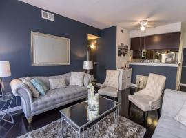 Hollywood 2BED/2BATh/2PARKING LUX APARTMENT