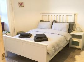 Edinburgh city apartment