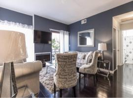 UPSCALE SUITE 2BED 2BATH 2PARKING IN HOLLYWOOD