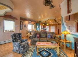 Casa Conejo Two-bedroom Holiday Home, Taos