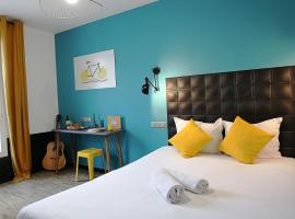 Arty Paris Hostel & Budget Hotel
