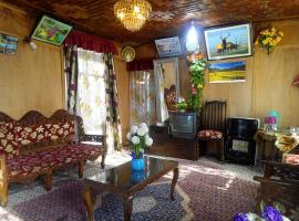 New Retreet Houseboat, Srinagar
