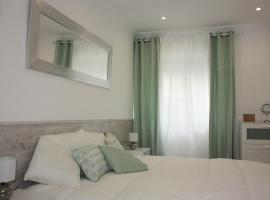 Simple Chic Belem Apartment