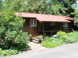 Molalla River Cottage, Molalla