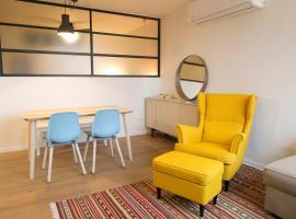De Shalit Square apartment., Herzelia