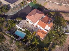 La Casa de Los Abuelos, Guaza