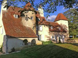 Un Château En Bordure De Rivière, Le Veurdre
