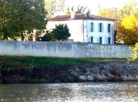 Ygeia Dordogne River House, Flaujagues