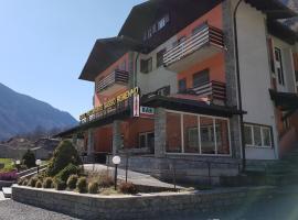 Hotel Ristorante Sasso Remenno, Val Masino
