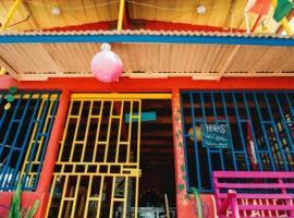 La Ballena Roja Guest House and Cafe, Uvita