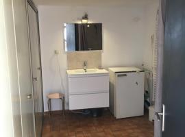 Appartement au RDJ d'une villa avec une piscine, Aix-en-Provence