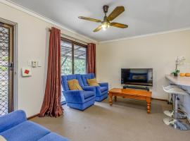 Bright, Neat & Convenient House, Armadale