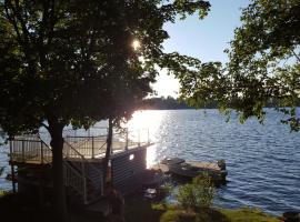 Beautiful Balsam Lake Villa, Fenelon Falls
