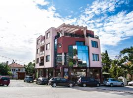 Family Hotel Pak Tam, Karlovo