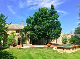 Renovated farmhouse in Aix en provence., Coudoux