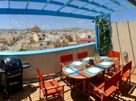 Penthouse with fantastic views!, Mosta