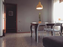 Sunny family apartment in villa., Opera