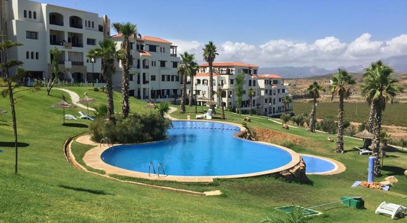 Lilac's Garden vue piscine