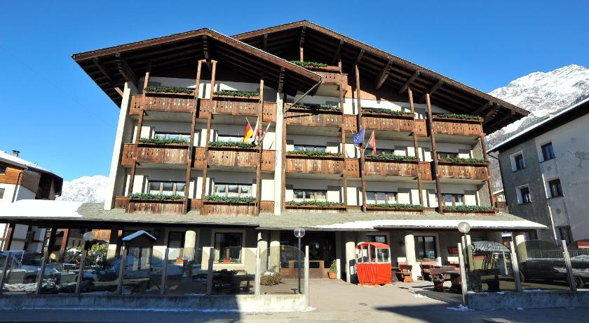 Hotel derby it lie bormio for Reservation hotel italie
