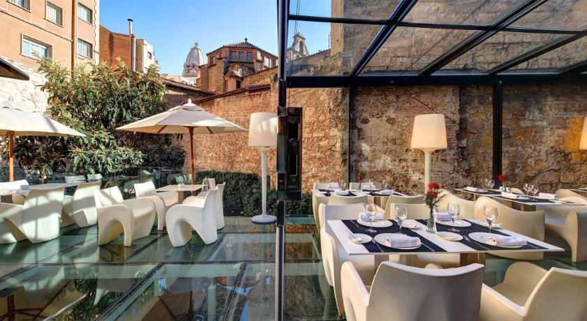 hotel olivia plaza - hoteles para parejas barcelona