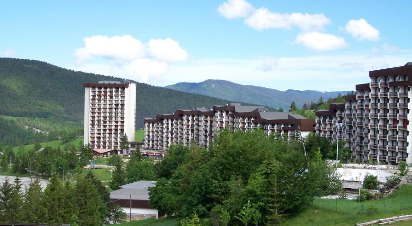 Le balcon de villard villard de lans france for Telephone booking france