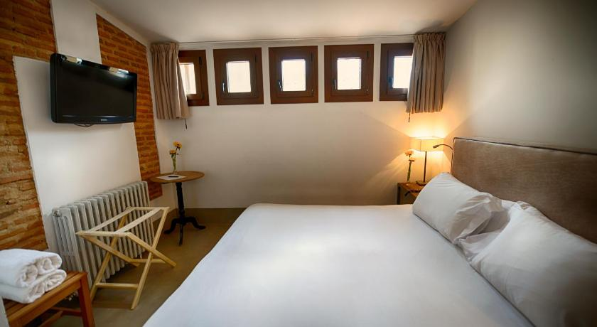 boutique hotels plasencia  27
