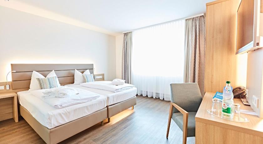 vital hotel an der therme gmbh ger bad windsheim. Black Bedroom Furniture Sets. Home Design Ideas