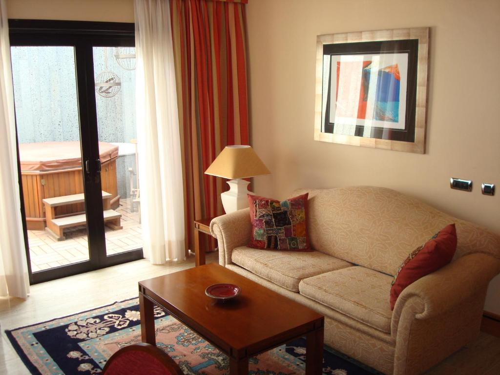 boutique hotels arrecife  12