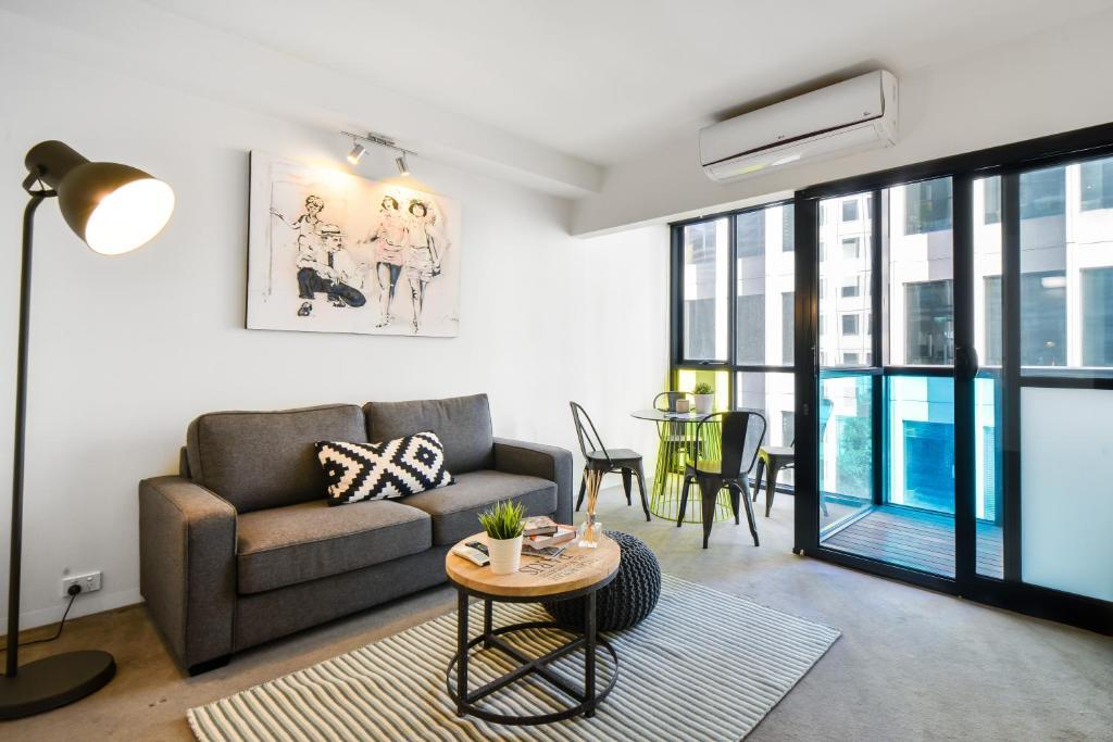 apartment canvas suites on russell place melbourne australia