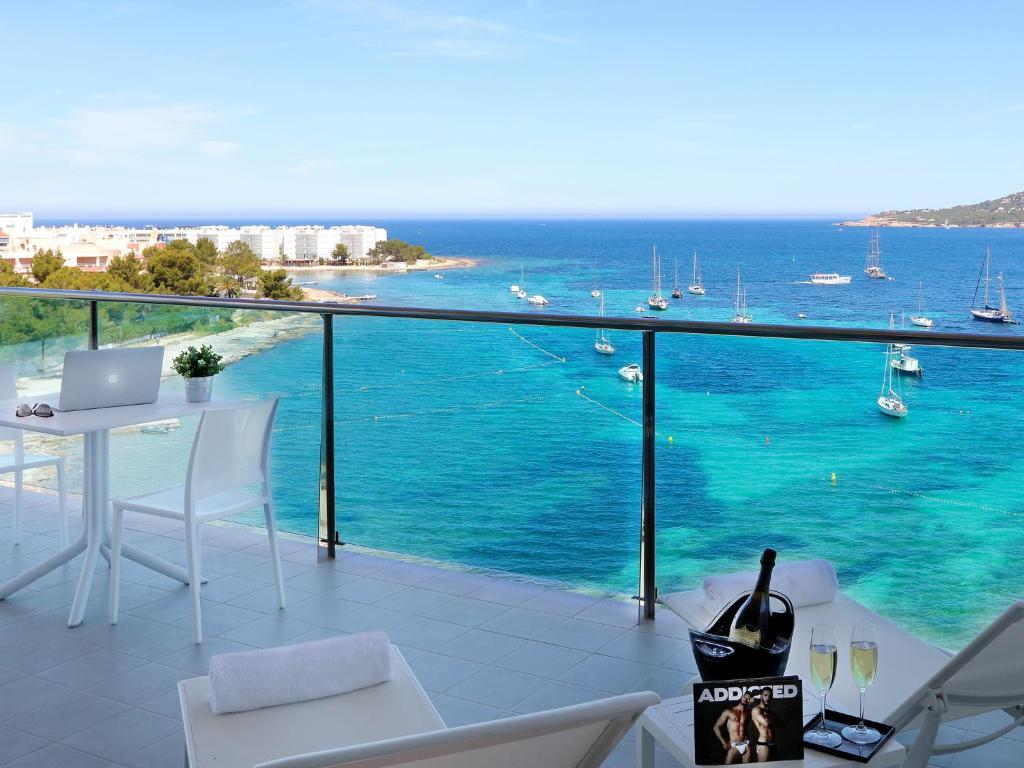Axelbeach Ibiza Spa And Beach Club