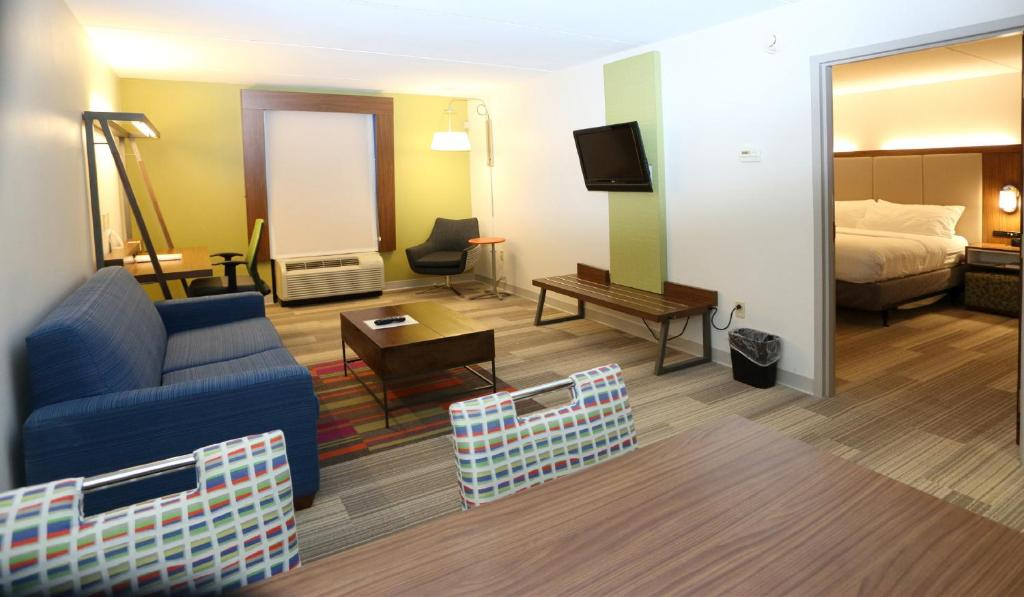 holiday inn express suites newpor newport news va booking com rh booking com holiday inn express newport newport holiday inn express newport news city center