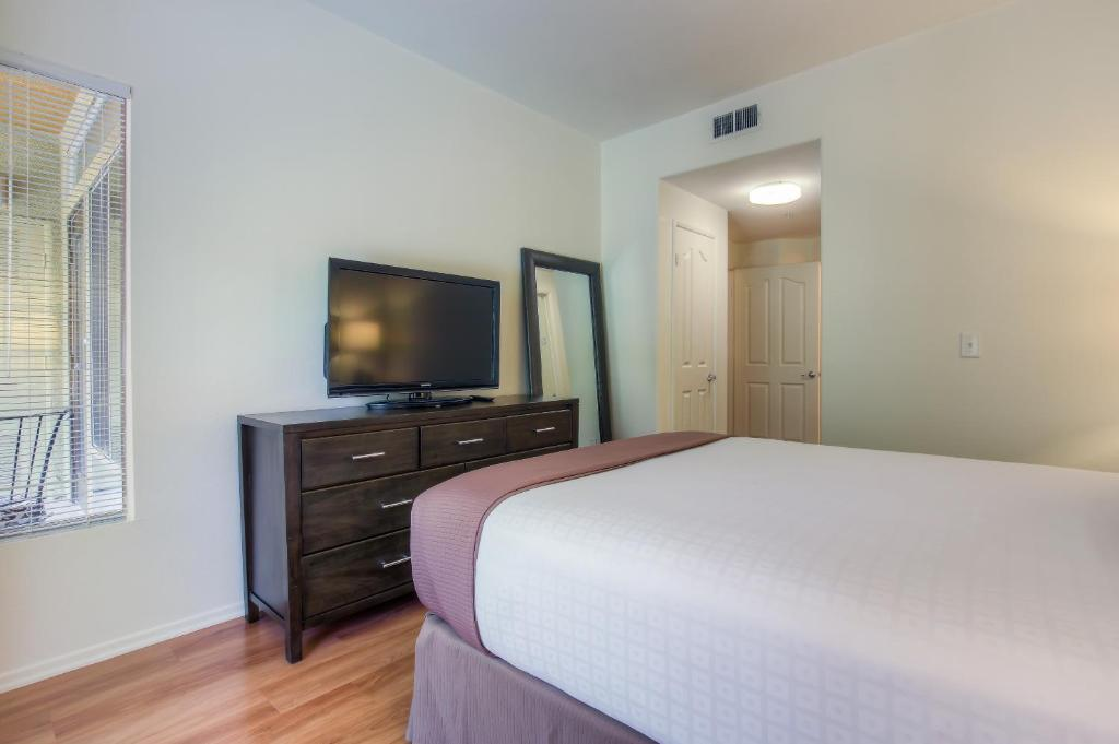 Apartment The Palazzo Communities By Synergy Los Angeles Ca Booking