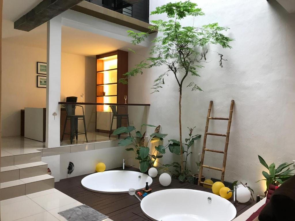 Villa Zen Retreat Taiping, Malaysia - Booking.com on spa like bathroom designs, black and white bathroom designs, spa feel bathroom designs,