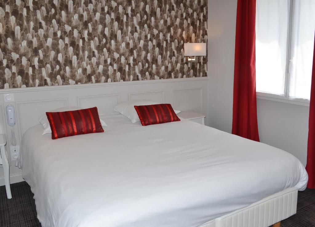 h tel restaurant le monarque blois france. Black Bedroom Furniture Sets. Home Design Ideas