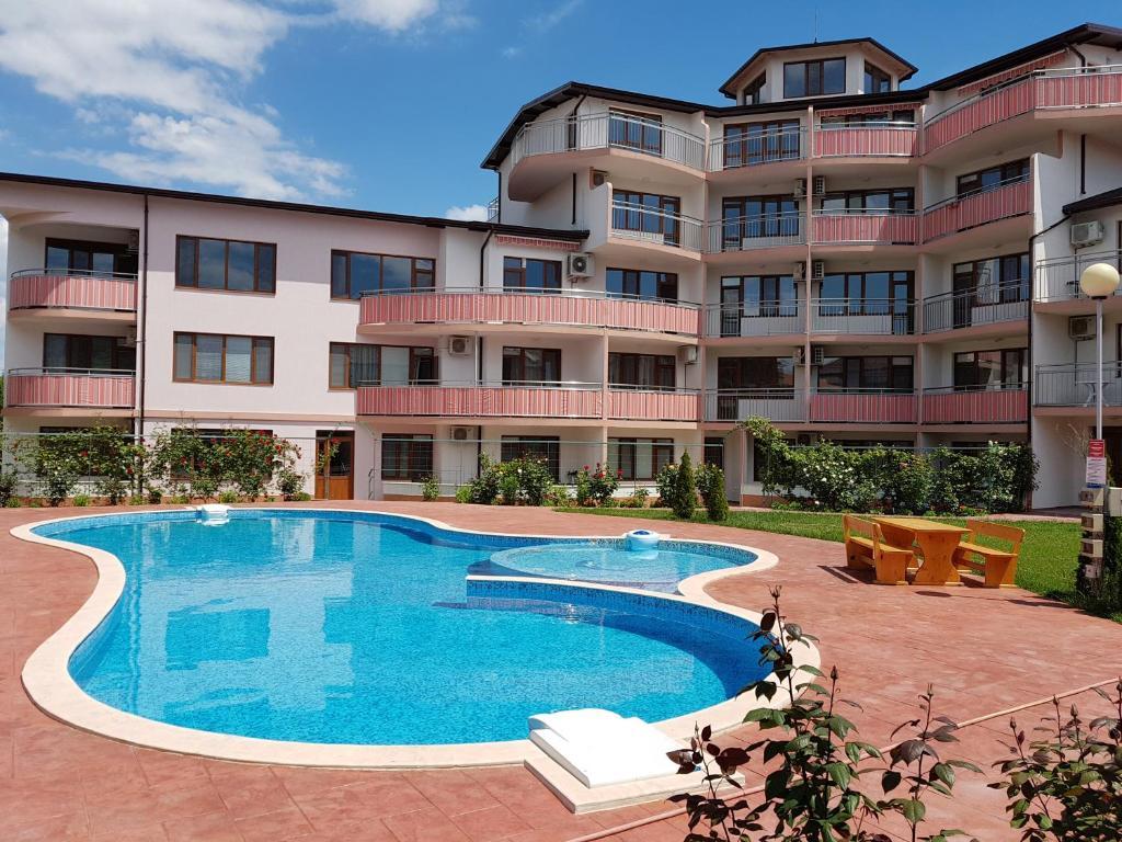Апартамент Raduga Apartrent - Кранево